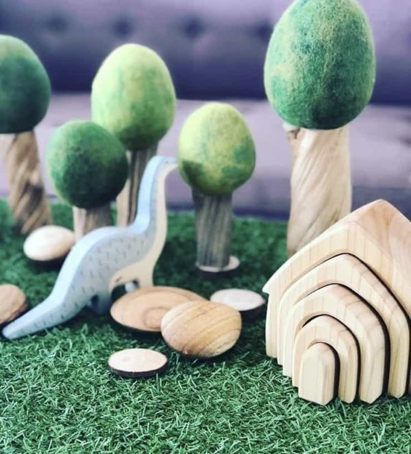 summer green felt tree with wooden pebbles and dinosaur