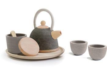 Oriental wooden tea set from Plan toys