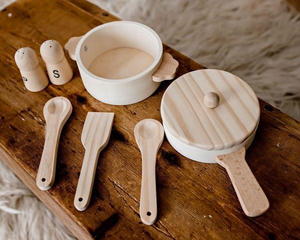 Wooden Pan set